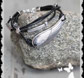 a041 Armband med läder och Vinge
